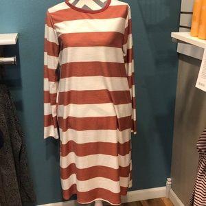Rust/Cream Knee length dress